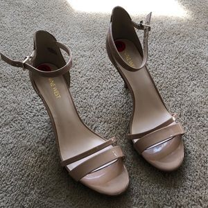 Nine West nude strappy NEVER WORN heels